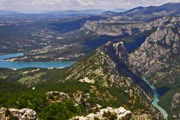 The water and mountains around the Gorges du Verdon